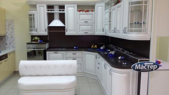 Кухня в классическом стиле с фасадами Фламиния (Италия) - от 200000